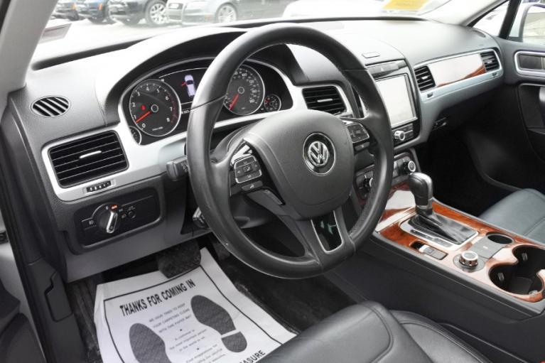 Used 2012 Volkswagen Touareg Sport 4MOTION Used 2012 Volkswagen Touareg Sport 4MOTION for sale  at Metro West Motorcars LLC in Shrewsbury MA 13