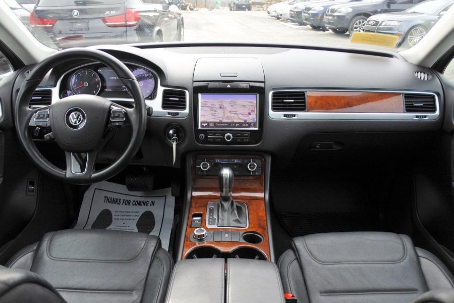 Used 2012 Volkswagen Touareg Sport 4MOTION Used 2012 Volkswagen Touareg Sport 4MOTION for sale  at Metro West Motorcars LLC in Shrewsbury MA 9