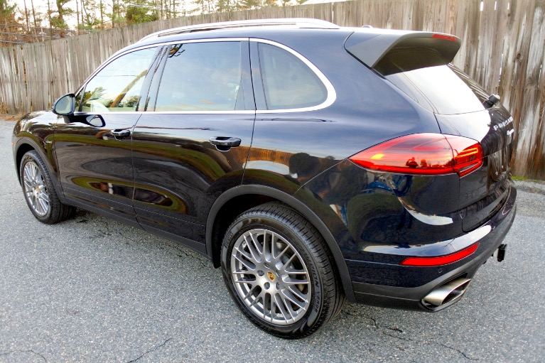 Used 2016 Porsche Cayenne Diesel AWD Used 2016 Porsche Cayenne Diesel AWD for sale  at Metro West Motorcars LLC in Shrewsbury MA 3