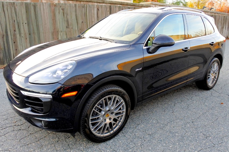 Used 2016 Porsche Cayenne Diesel AWD Used 2016 Porsche Cayenne Diesel AWD for sale  at Metro West Motorcars LLC in Shrewsbury MA 1