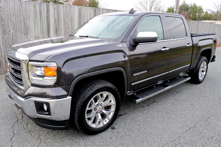 Used 2015 GMC Sierra 1500 4WD Crew Cab 143.5' SLT Used 2015 GMC Sierra 1500 4WD Crew Cab 143.5' SLT for sale  at Metro West Motorcars LLC in Shrewsbury MA 1