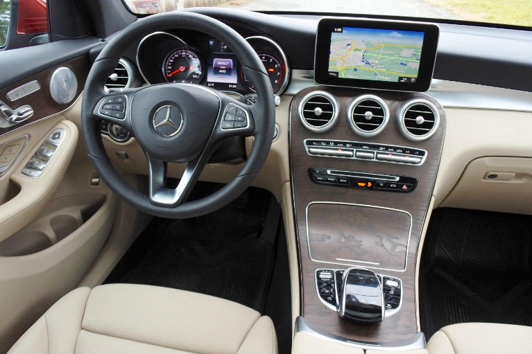 Used 2018 Mercedes-Benz Glc GLC300 4MATIC Used 2018 Mercedes-Benz Glc GLC300 4MATIC for sale  at Metro West Motorcars LLC in Shrewsbury MA 10