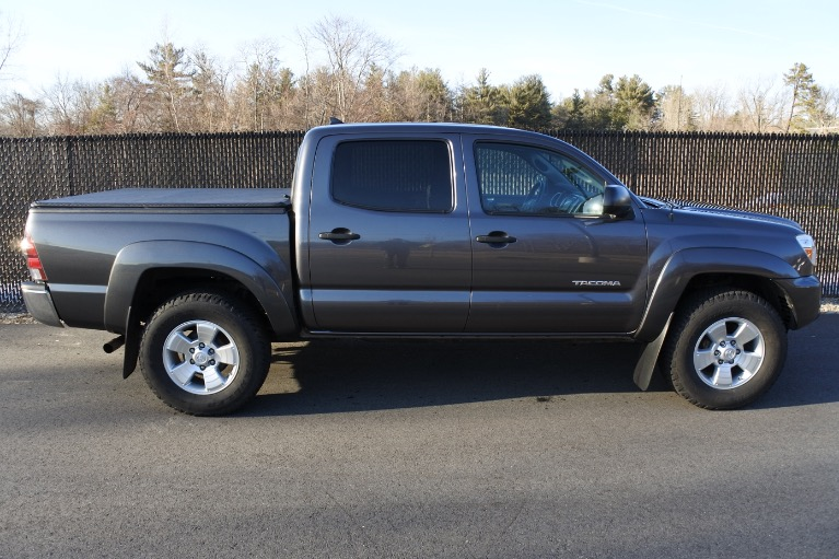Used 2015 Toyota Tacoma 4WD Double Cab V6 AT (Natl) Used 2015 Toyota Tacoma 4WD Double Cab V6 AT (Natl) for sale  at Metro West Motorcars LLC in Shrewsbury MA 7