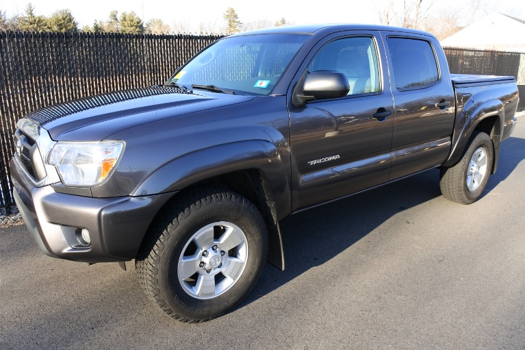 Used Used 2015 Toyota Tacoma 4WD Double Cab V6 AT (Natl) for sale $24,800 at Metro West Motorcars LLC in Shrewsbury MA