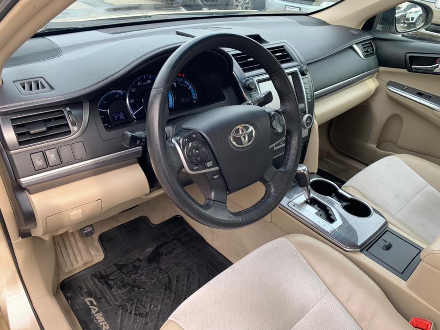 Used 2012 Toyota Camry Hybrid 4dr Sdn XLE Used 2012 Toyota Camry Hybrid 4dr Sdn XLE for sale  at Metro West Motorcars LLC in Shrewsbury MA 13