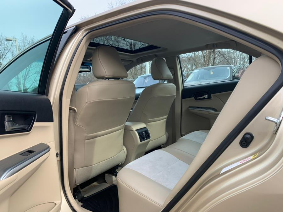 Used 2012 Toyota Camry Hybrid 4dr Sdn XLE Used 2012 Toyota Camry Hybrid 4dr Sdn XLE for sale  at Metro West Motorcars LLC in Shrewsbury MA 15