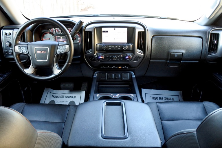 Used 2015 GMC Sierra 1500 4WD Crew Cab 143.5' SLT Used 2015 GMC Sierra 1500 4WD Crew Cab 143.5' SLT for sale  at Metro West Motorcars LLC in Shrewsbury MA 9
