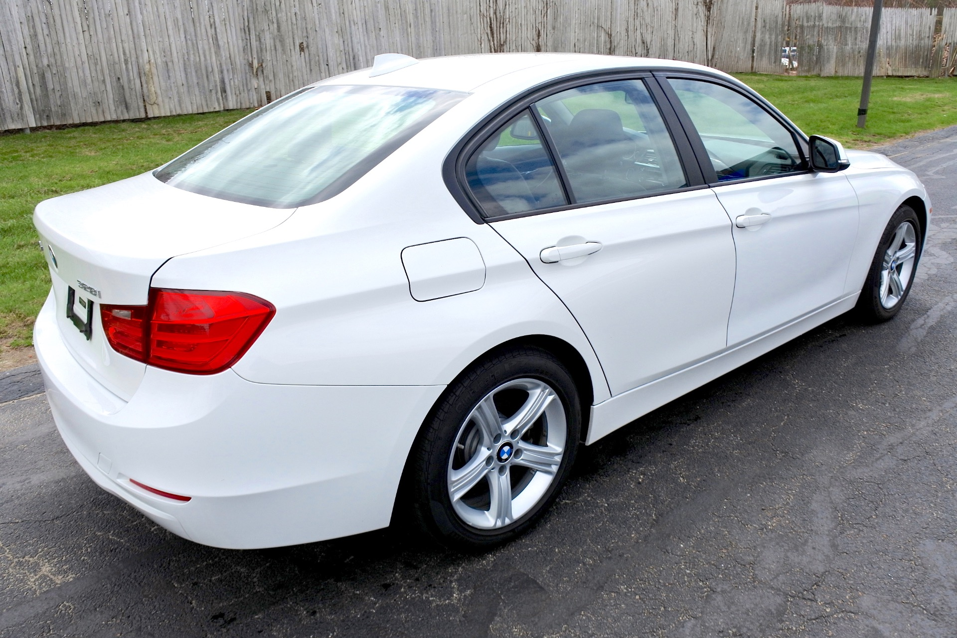 Used 2013 BMW 3 Series 4dr Sdn 328i xDrive AWD Used 2013 BMW 3 Series 4dr Sdn 328i xDrive AWD for sale  at Metro West Motorcars LLC in Shrewsbury MA 5