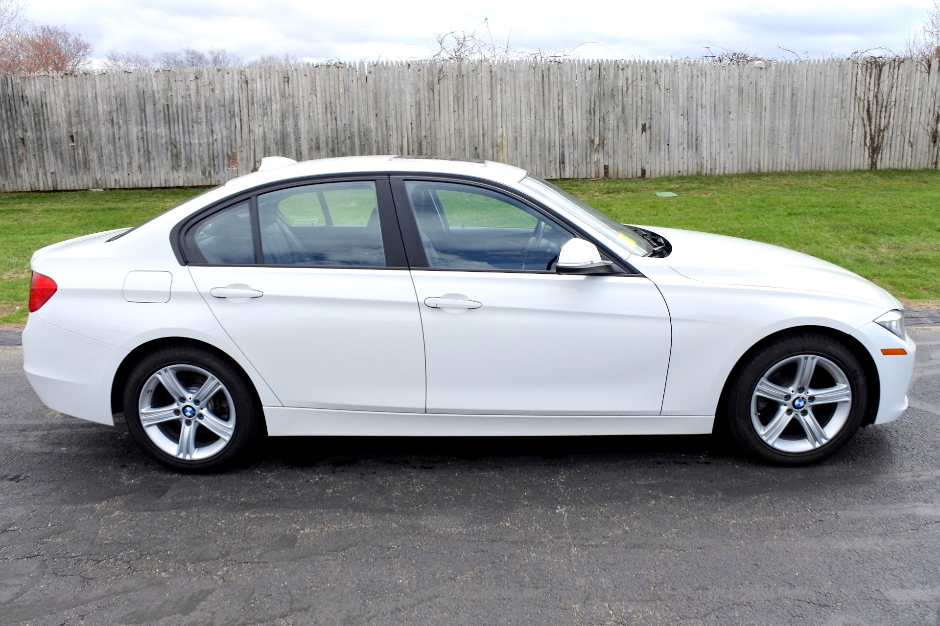 Used 2013 BMW 3 Series 4dr Sdn 328i xDrive AWD Used 2013 BMW 3 Series 4dr Sdn 328i xDrive AWD for sale  at Metro West Motorcars LLC in Shrewsbury MA 6