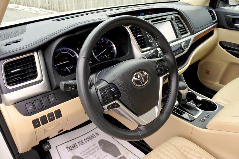 Used 2019 Toyota Highlander Hybrid Limited Platinum AWD Used 2019 Toyota Highlander Hybrid Limited Platinum AWD for sale  at Metro West Motorcars LLC in Shrewsbury MA 13
