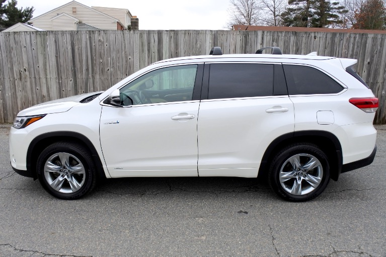 Used 2019 Toyota Highlander Hybrid Limited V6 AWD Used 2019 Toyota Highlander Hybrid Limited V6 AWD for sale  at Metro West Motorcars LLC in Shrewsbury MA 2