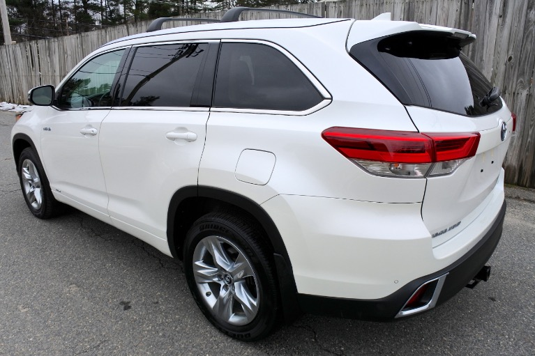 Used 2019 Toyota Highlander Hybrid Limited V6 AWD Used 2019 Toyota Highlander Hybrid Limited V6 AWD for sale  at Metro West Motorcars LLC in Shrewsbury MA 3