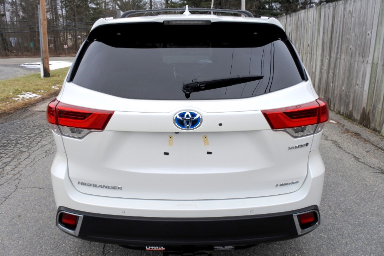 Used 2019 Toyota Highlander Hybrid Limited V6 AWD Used 2019 Toyota Highlander Hybrid Limited V6 AWD for sale  at Metro West Motorcars LLC in Shrewsbury MA 4