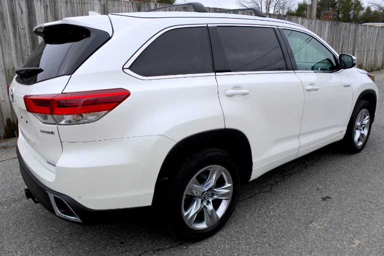 Used 2019 Toyota Highlander Hybrid Limited V6 AWD Used 2019 Toyota Highlander Hybrid Limited V6 AWD for sale  at Metro West Motorcars LLC in Shrewsbury MA 5