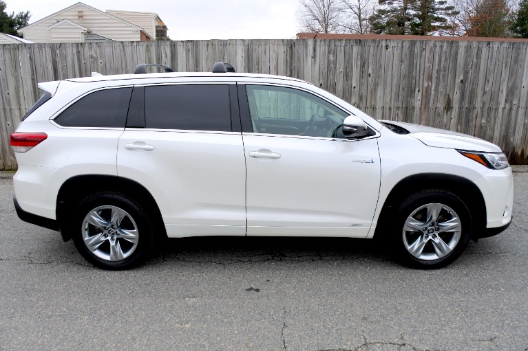 Used 2019 Toyota Highlander Hybrid Limited V6 AWD Used 2019 Toyota Highlander Hybrid Limited V6 AWD for sale  at Metro West Motorcars LLC in Shrewsbury MA 6