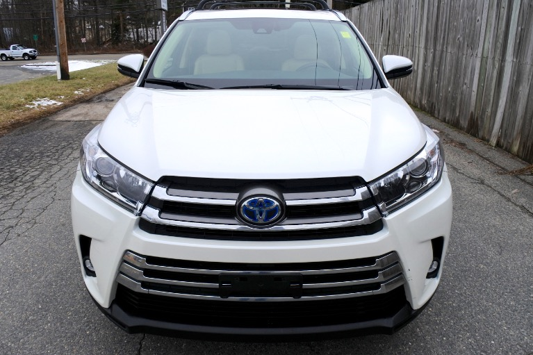Used 2019 Toyota Highlander Hybrid Limited V6 AWD Used 2019 Toyota Highlander Hybrid Limited V6 AWD for sale  at Metro West Motorcars LLC in Shrewsbury MA 8