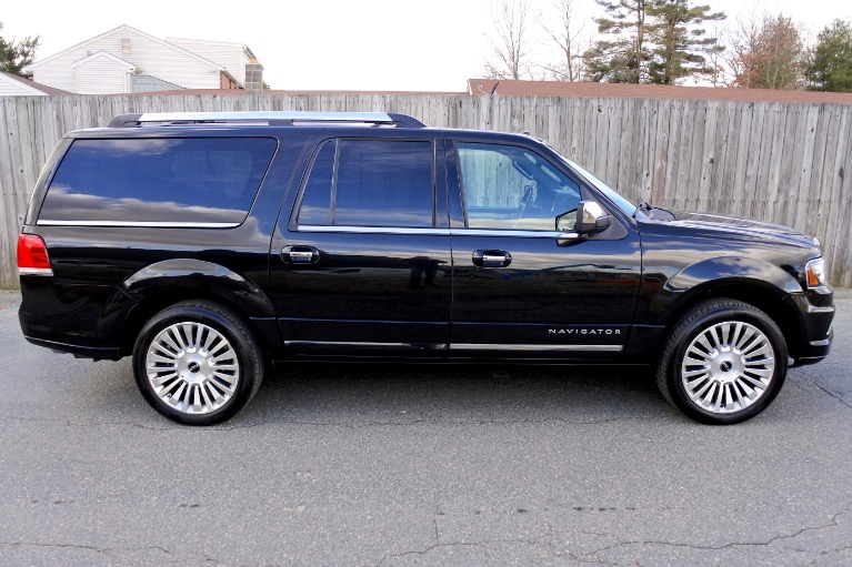 Used 2015 Lincoln Navigator l Reserve 4WD Used 2015 Lincoln Navigator l Reserve 4WD for sale  at Metro West Motorcars LLC in Shrewsbury MA 6