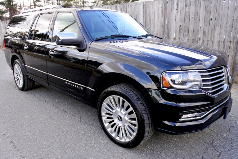 Used 2015 Lincoln Navigator l Reserve 4WD Used 2015 Lincoln Navigator l Reserve 4WD for sale  at Metro West Motorcars LLC in Shrewsbury MA 7