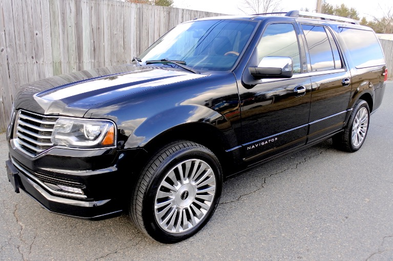 Used 2015 Lincoln Navigator l Reserve 4WD Used 2015 Lincoln Navigator l Reserve 4WD for sale  at Metro West Motorcars LLC in Shrewsbury MA 1
