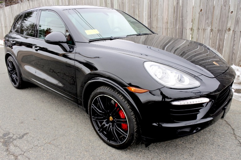 Used 2014 Porsche Cayenne Turbo S AWD Used 2014 Porsche Cayenne Turbo S AWD for sale  at Metro West Motorcars LLC in Shrewsbury MA 7