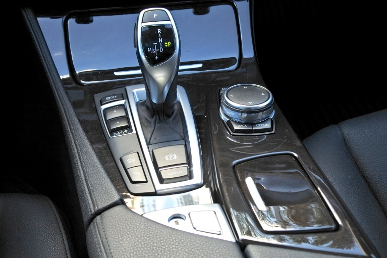 Used 2016 BMW 5 Series 528i xDrive AWD Used 2016 BMW 5 Series 528i xDrive AWD for sale  at Metro West Motorcars LLC in Shrewsbury MA 12