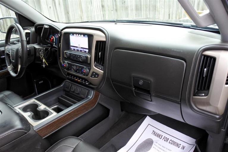 Used 2016 GMC Sierra 1500 4WD Crew Cab 143.5 Denali Used 2016 GMC Sierra 1500 4WD Crew Cab 143.5 Denali for sale  at Metro West Motorcars LLC in Shrewsbury MA 20
