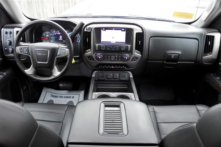 Used 2016 GMC Sierra 1500 4WD Crew Cab 143.5 Denali Used 2016 GMC Sierra 1500 4WD Crew Cab 143.5 Denali for sale  at Metro West Motorcars LLC in Shrewsbury MA 9