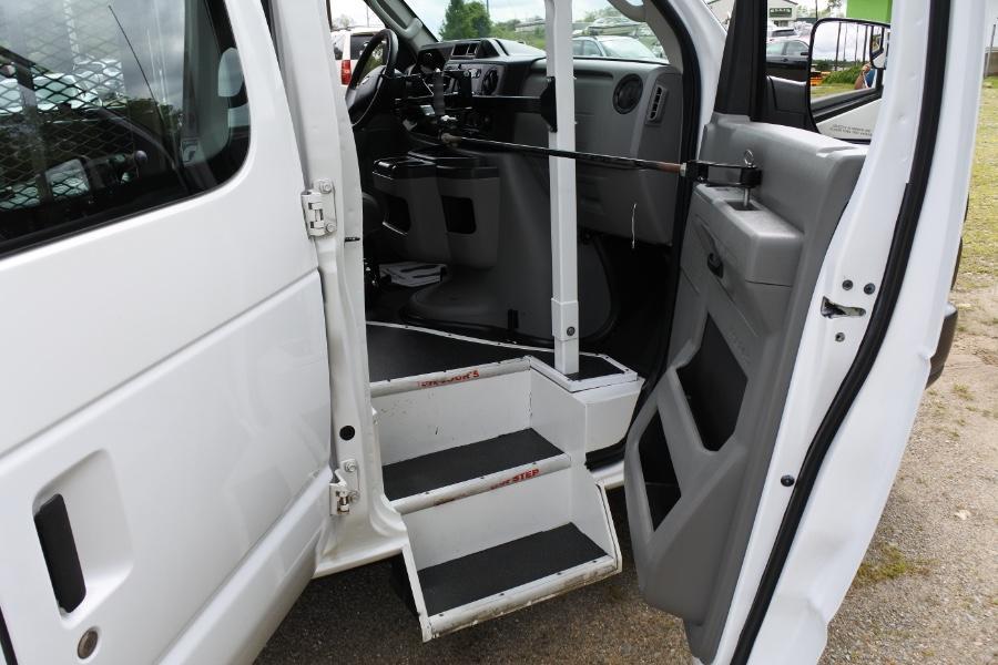 Used 2013 Ford Econoline E-250 Wheelchair Van Used 2013 Ford Econoline E-250 Wheelchair Van for sale  at Metro West Motorcars LLC in Shrewsbury MA 14