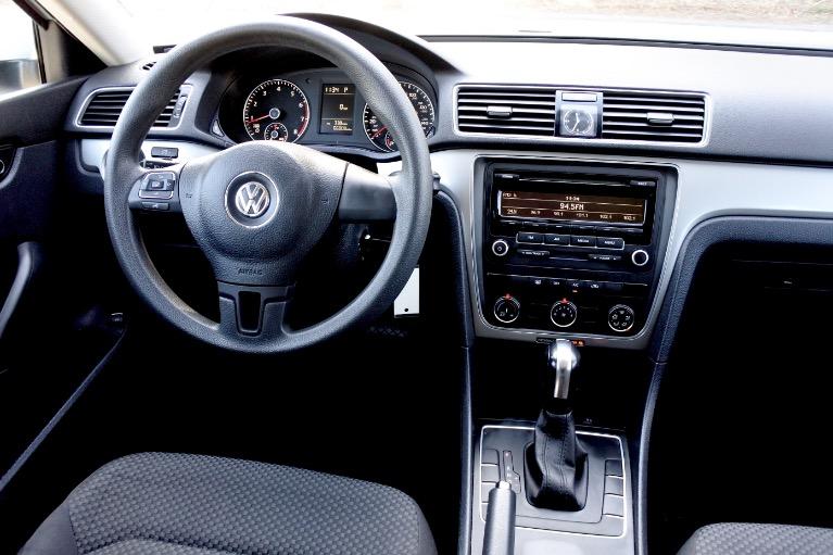 Used 2013 Volkswagen Passat S 2.5 PZEV Used 2013 Volkswagen Passat S 2.5 PZEV for sale  at Metro West Motorcars LLC in Shrewsbury MA 9