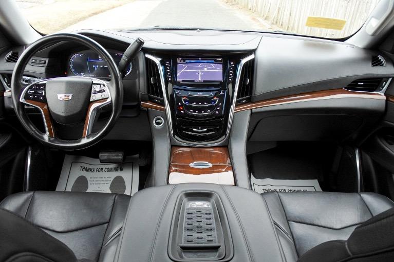 Used 2017 Cadillac Escalade 4WD Luxury Used 2017 Cadillac Escalade 4WD Luxury for sale  at Metro West Motorcars LLC in Shrewsbury MA 9