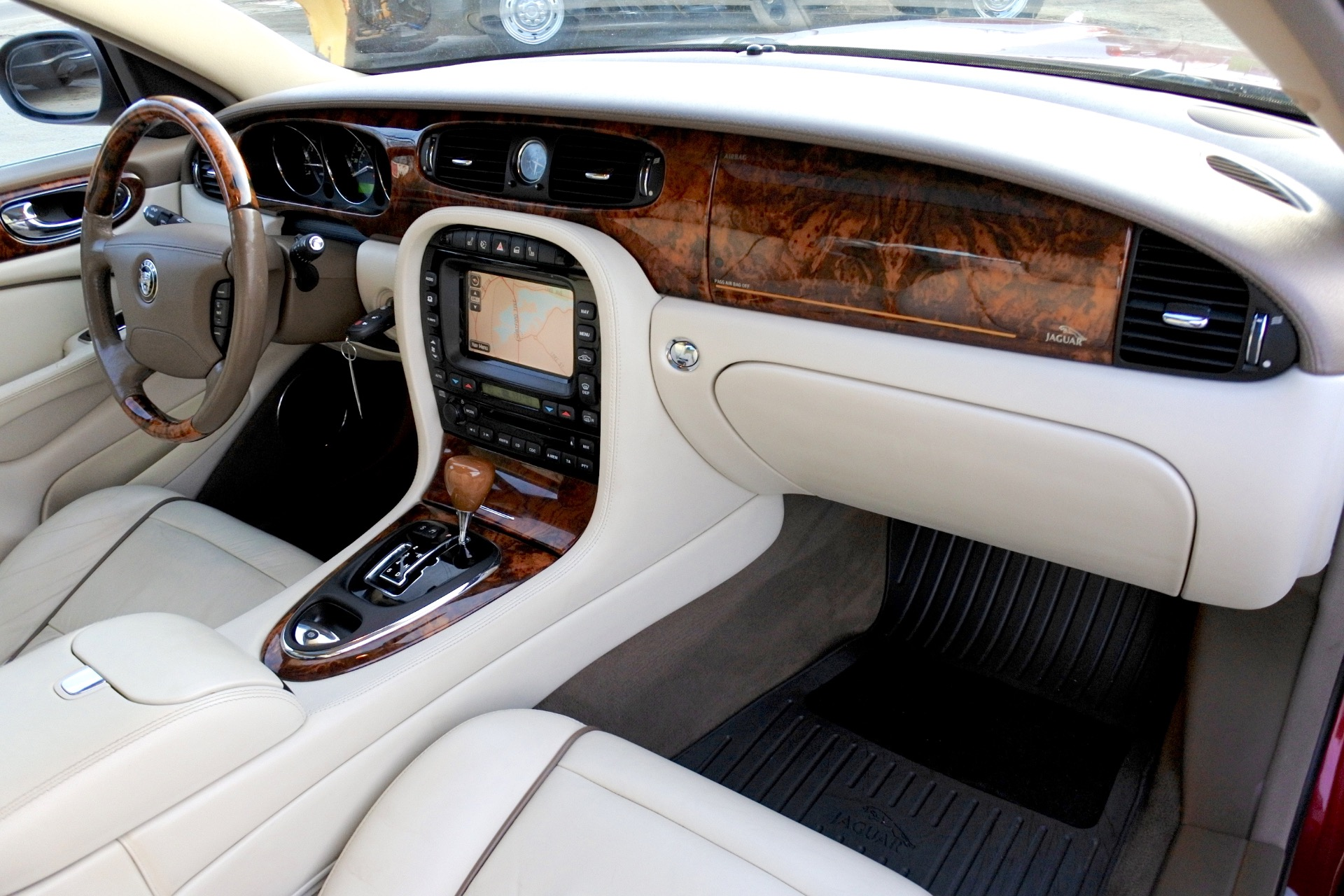Used 2007 Jaguar Xj l Super V8 Used 2007 Jaguar Xj l Super V8 for sale  at Metro West Motorcars LLC in Shrewsbury MA 21