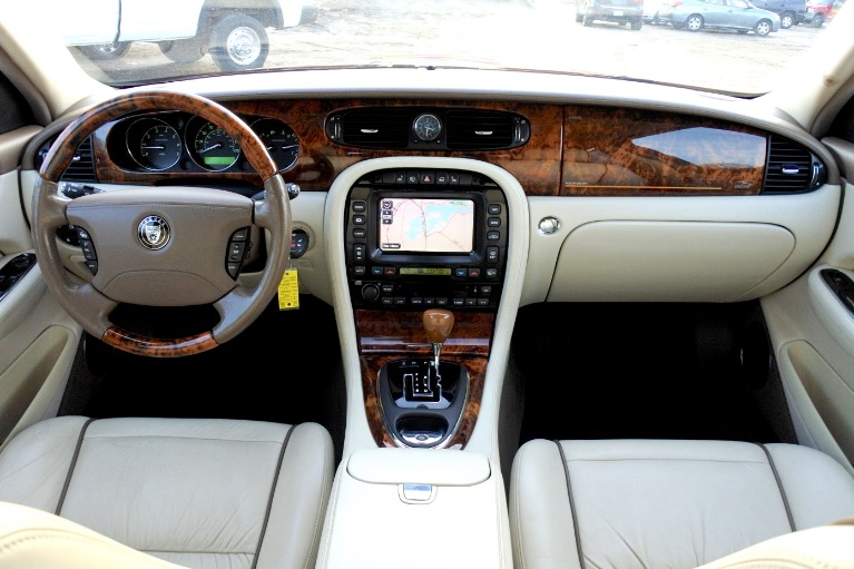 Used 2007 Jaguar Xj l Super V8 Used 2007 Jaguar Xj l Super V8 for sale  at Metro West Motorcars LLC in Shrewsbury MA 9