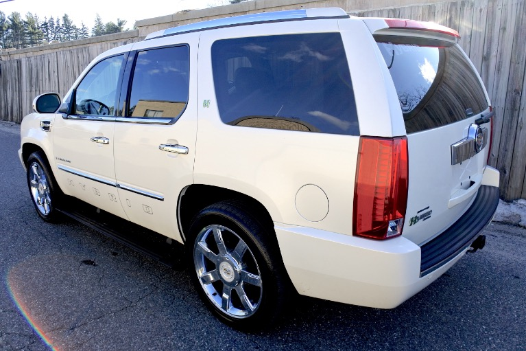 Used 2009 Cadillac Escalade Hybrid 4WD Used 2009 Cadillac Escalade Hybrid 4WD for sale  at Metro West Motorcars LLC in Shrewsbury MA 3