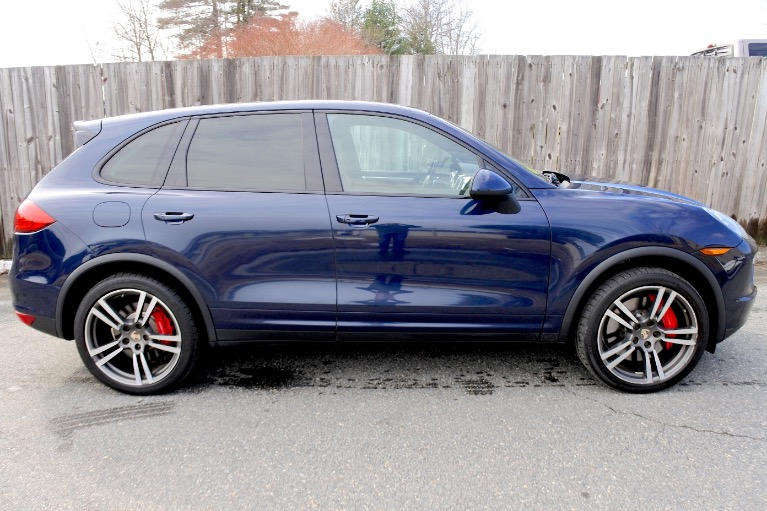 Used 2012 Porsche Cayenne Turbo AWD Used 2012 Porsche Cayenne Turbo AWD for sale  at Metro West Motorcars LLC in Shrewsbury MA 6