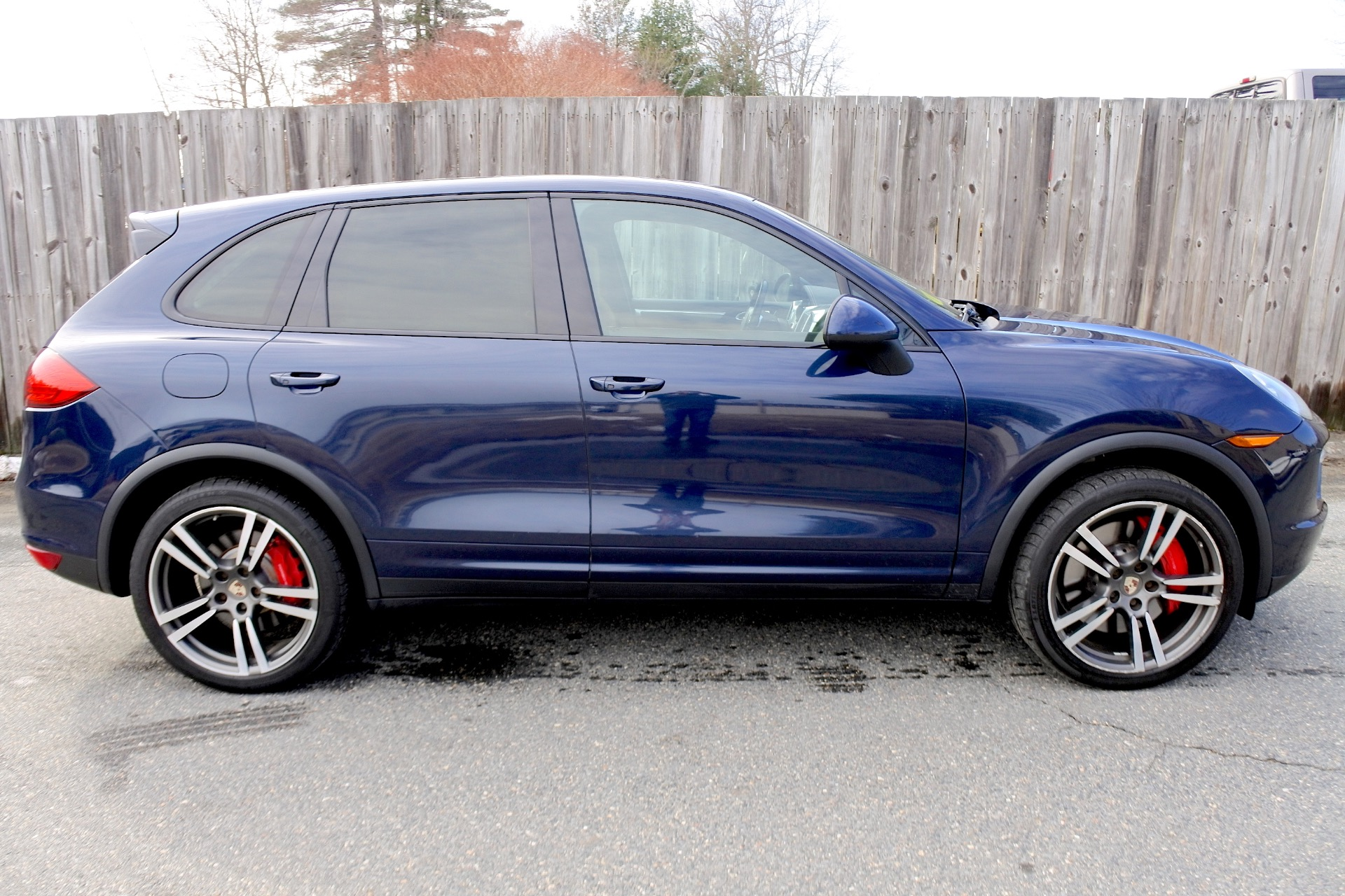 Used 2012 Porsche Cayenne AWD 4dr Turbo Used 2012 Porsche Cayenne AWD 4dr Turbo for sale  at Metro West Motorcars LLC in Shrewsbury MA 6