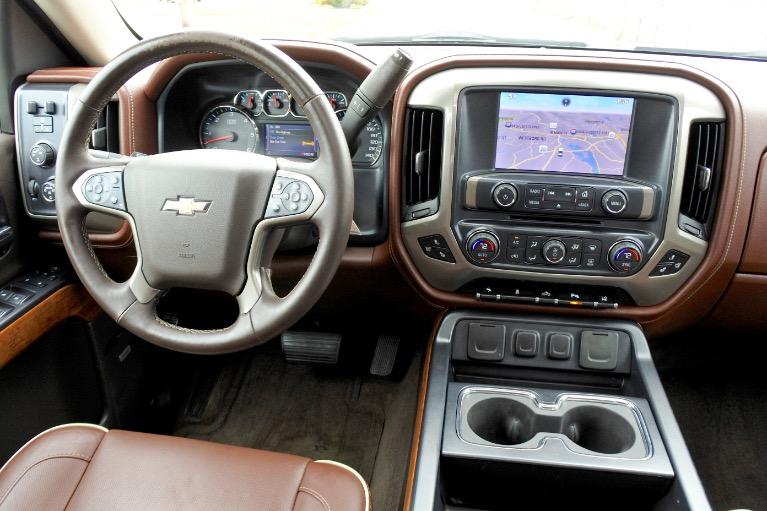 Used 2014 Chevrolet Silverado 1500 4WD Crew Cab 143.5' High Country Used 2014 Chevrolet Silverado 1500 4WD Crew Cab 143.5' High Country for sale  at Metro West Motorcars LLC in Shrewsbury MA 10
