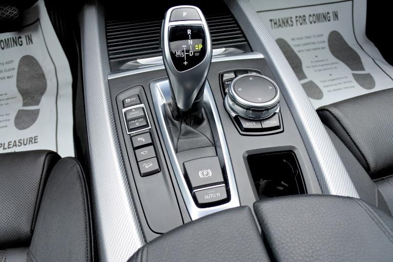 Used 2015 BMW X5 xDrive35i M Sport AWD Used 2015 BMW X5 xDrive35i M Sport AWD for sale  at Metro West Motorcars LLC in Shrewsbury MA 13