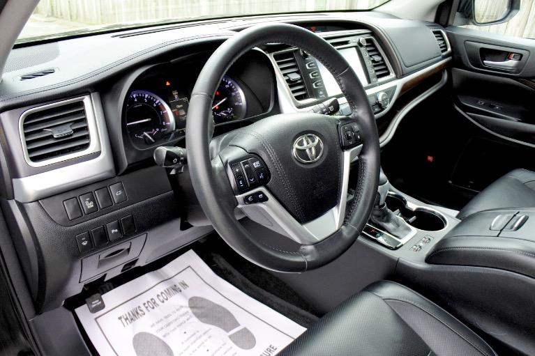 Used 2015 Toyota Highlander Limited AWD Used 2015 Toyota Highlander Limited AWD for sale  at Metro West Motorcars LLC in Shrewsbury MA 13