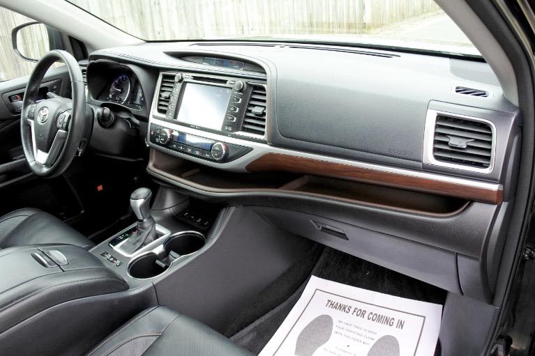 Used 2015 Toyota Highlander Limited AWD Used 2015 Toyota Highlander Limited AWD for sale  at Metro West Motorcars LLC in Shrewsbury MA 22