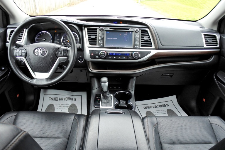Used 2015 Toyota Highlander Limited AWD Used 2015 Toyota Highlander Limited AWD for sale  at Metro West Motorcars LLC in Shrewsbury MA 9