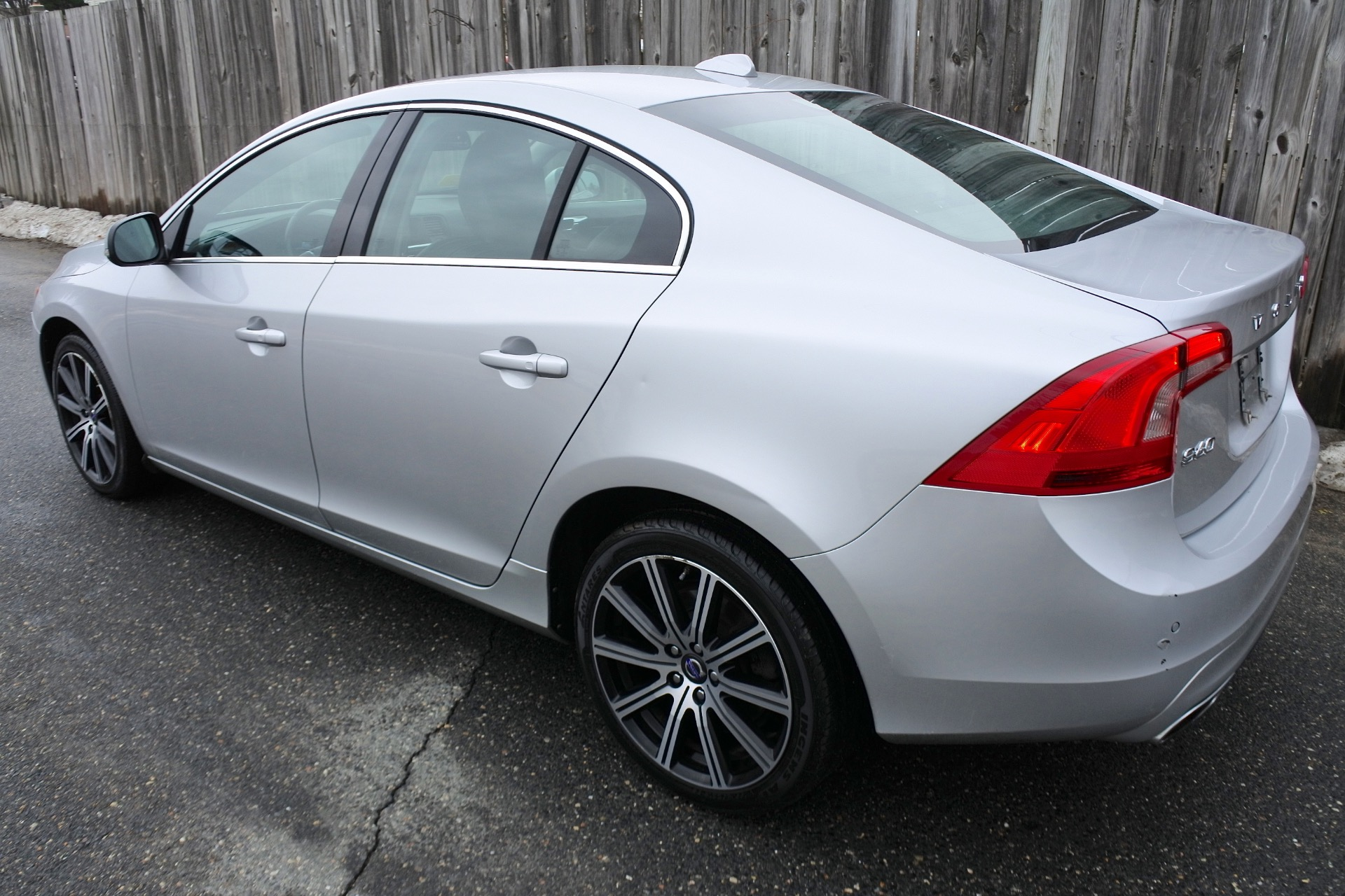 Used 2014 Volvo S60 4dr Sdn T5 Premier AWD Used 2014 Volvo S60 4dr Sdn T5 Premier AWD for sale  at Metro West Motorcars LLC in Shrewsbury MA 3