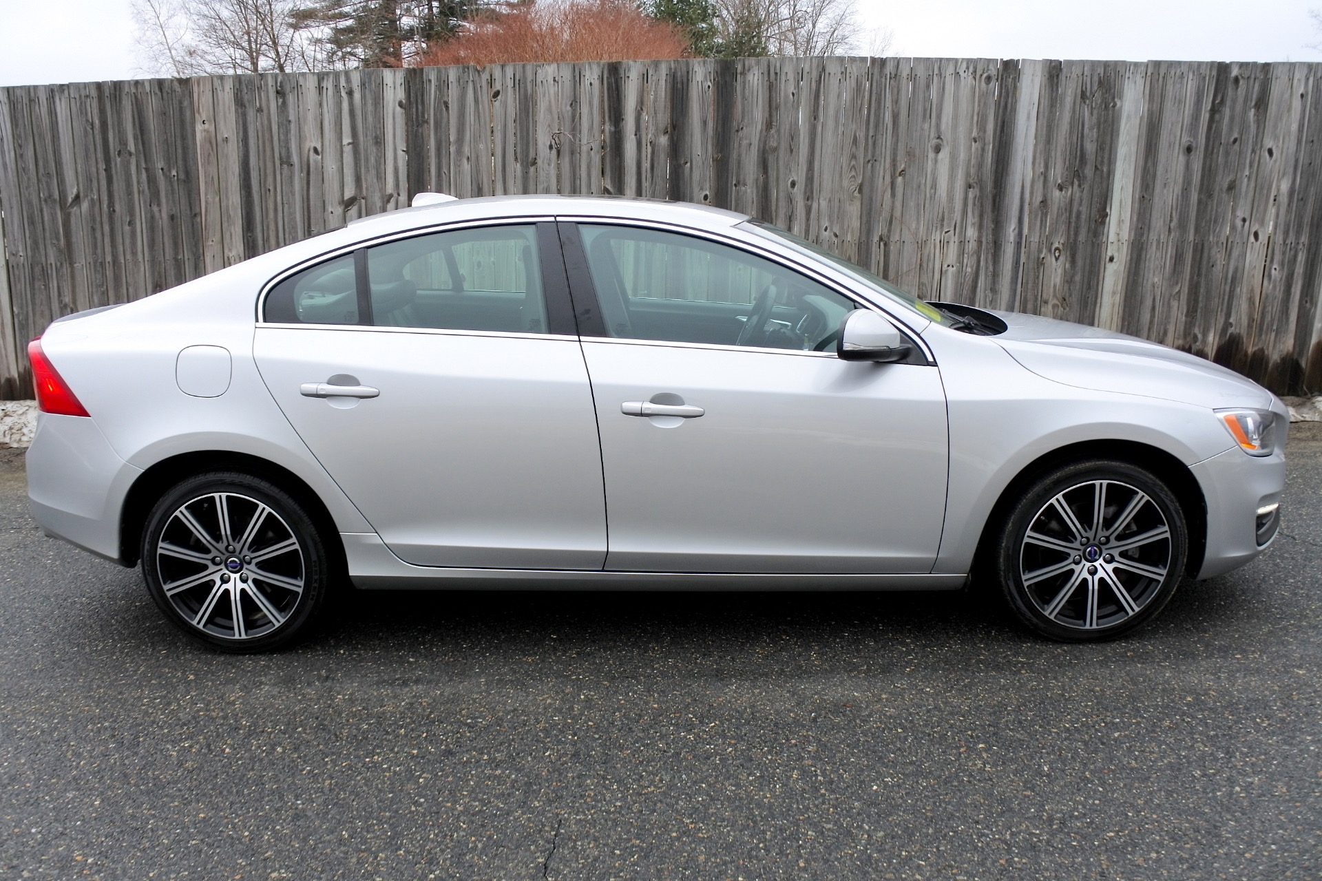 Used 2014 Volvo S60 4dr Sdn T5 Premier AWD Used 2014 Volvo S60 4dr Sdn T5 Premier AWD for sale  at Metro West Motorcars LLC in Shrewsbury MA 5