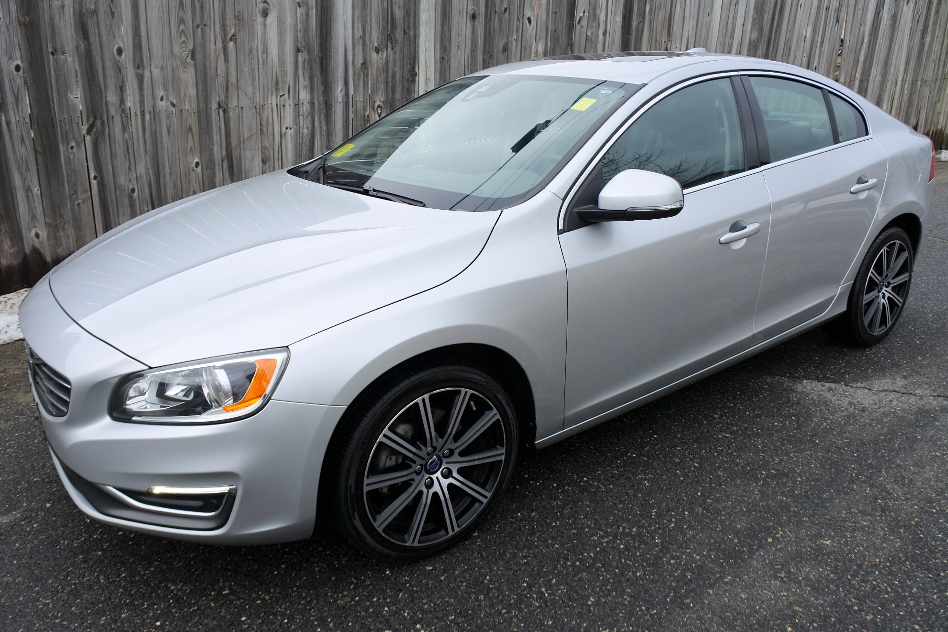 Used 2014 Volvo S60 4dr Sdn T5 Premier AWD Used 2014 Volvo S60 4dr Sdn T5 Premier AWD for sale  at Metro West Motorcars LLC in Shrewsbury MA 1