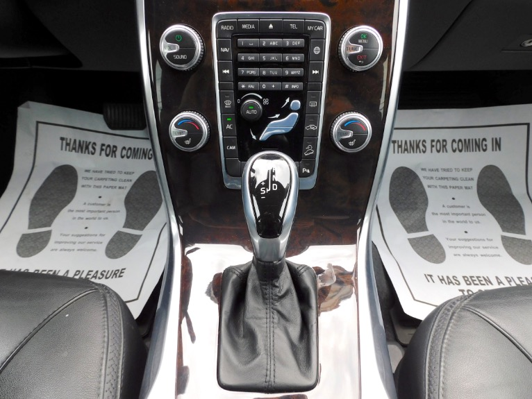 Used 2015 Volvo Xc70 2015.5 Wagon T6 AWD Used 2015 Volvo Xc70 2015.5 Wagon T6 AWD for sale  at Metro West Motorcars LLC in Shrewsbury MA 12