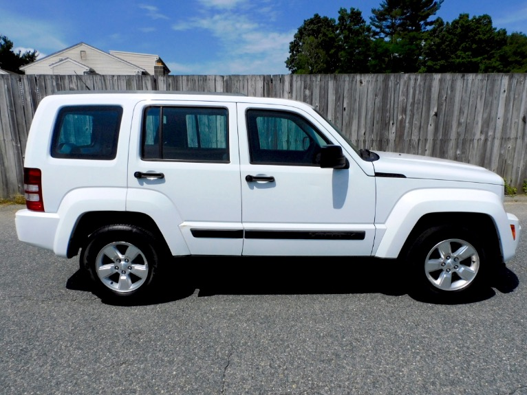 Used 2011 Jeep Liberty 4WD 4dr Sport Used 2011 Jeep Liberty 4WD 4dr Sport for sale  at Metro West Motorcars LLC in Shrewsbury MA 6