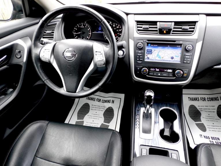Used 2017 Nissan Altima 2.5 SL Sedan Used 2017 Nissan Altima 2.5 SL Sedan for sale  at Metro West Motorcars LLC in Shrewsbury MA 10