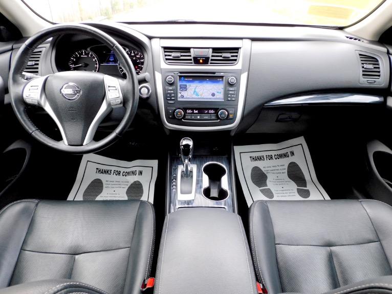 Used 2017 Nissan Altima 2.5 SL Sedan Used 2017 Nissan Altima 2.5 SL Sedan for sale  at Metro West Motorcars LLC in Shrewsbury MA 9