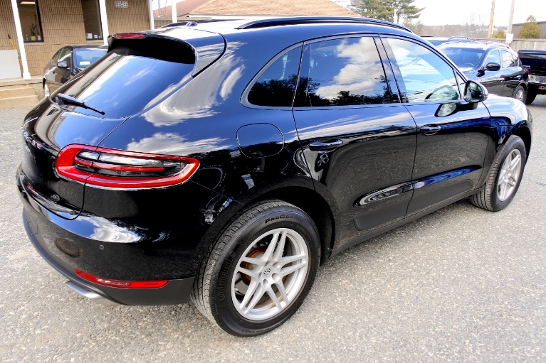 Used 2017 Porsche Macan AWD Used 2017 Porsche Macan AWD for sale  at Metro West Motorcars LLC in Shrewsbury MA 5