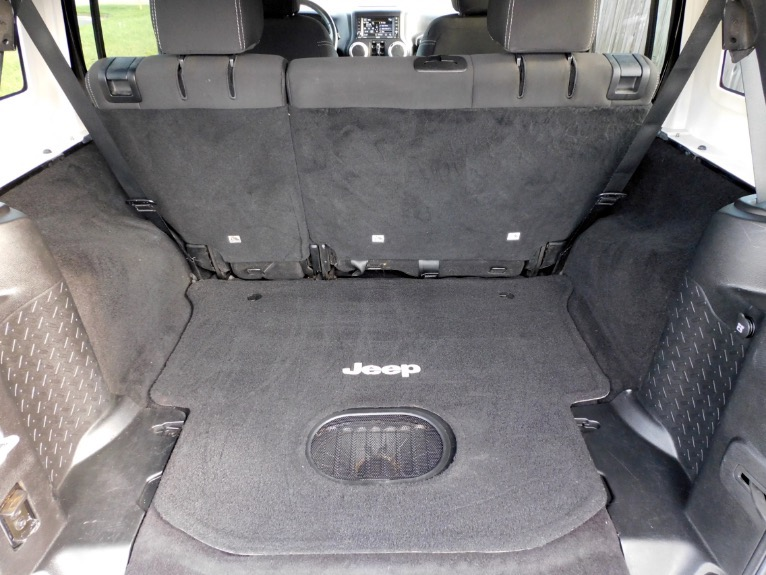 Used 2015 Jeep Wrangler Unlimited Sahara 4WD Used 2015 Jeep Wrangler Unlimited Sahara 4WD for sale  at Metro West Motorcars LLC in Shrewsbury MA 21