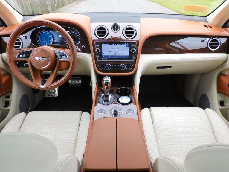 Used 2017 Bentley Bentayga W12 AWD Used 2017 Bentley Bentayga W12 AWD for sale  at Metro West Motorcars LLC in Shrewsbury MA 9